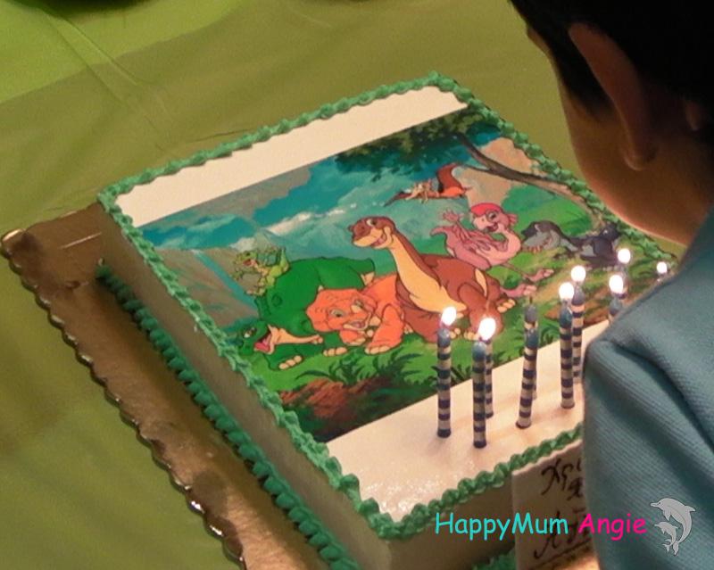 dinosaurs-cake