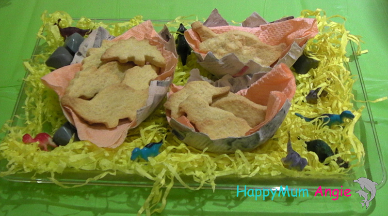 dinosaurs-homemade-bisquits